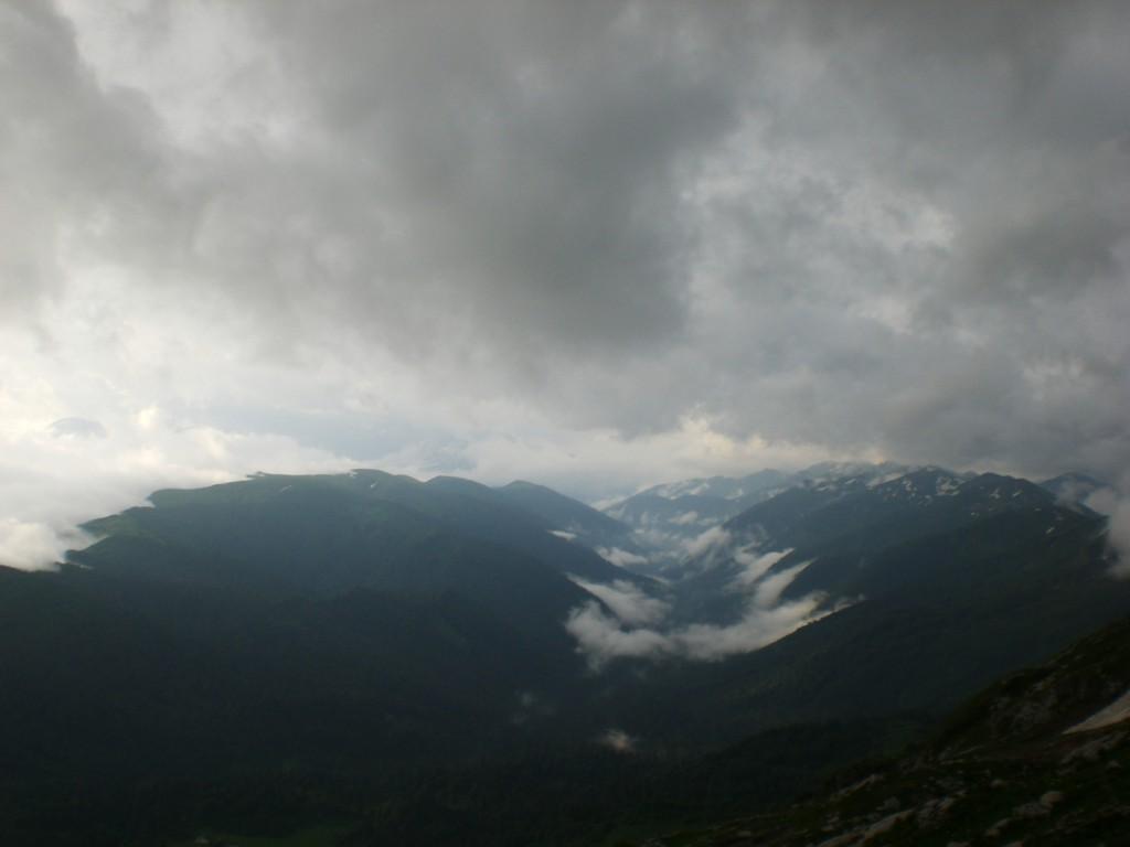 Долина в облаках - фото с горы Фишт