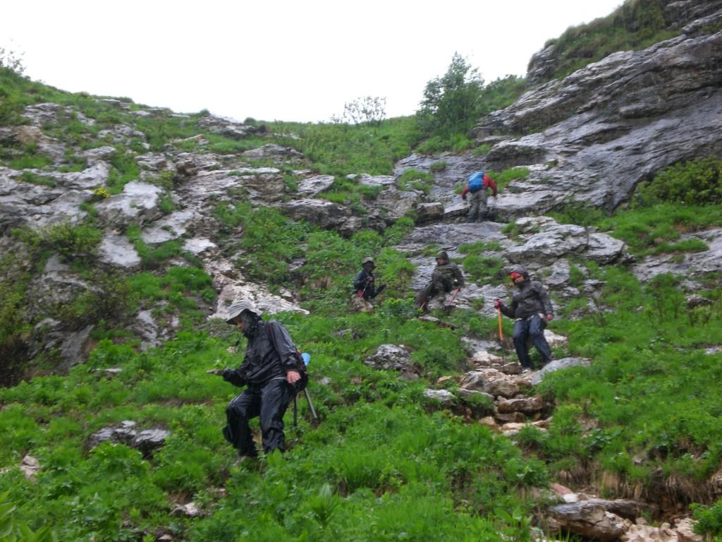 Дождь и град на спуске с горы Фишт