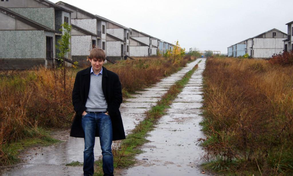 Заброшенный коттеджный поселок в Лазурном