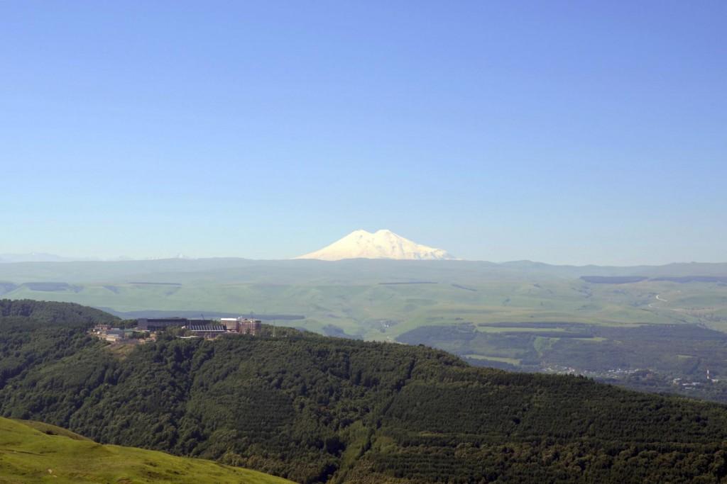 Вид на Эльбрус с горы Кабан