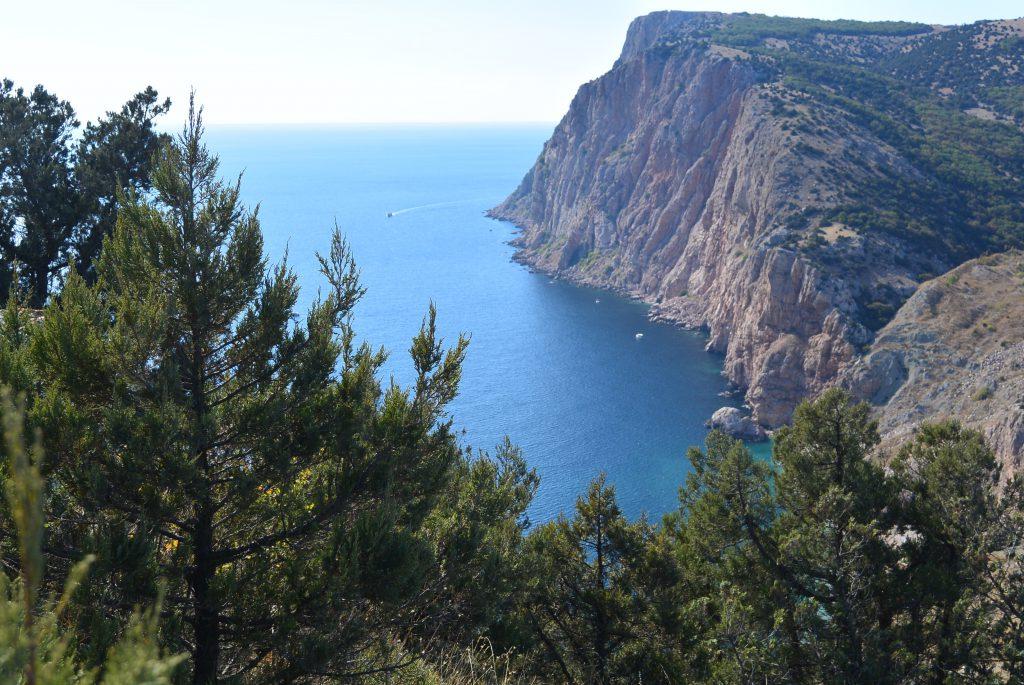 Вид со скалы Мытытлино в сторону мыса Кая-Баши