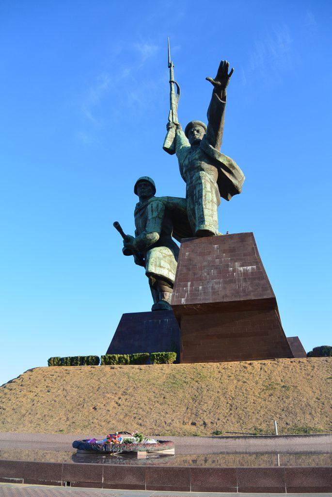 Солдат и матрос. Севастополь.