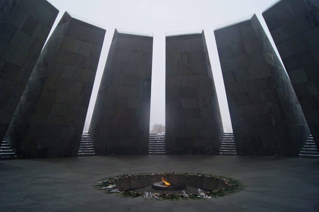 Вечный огонь в Цицернакаберд